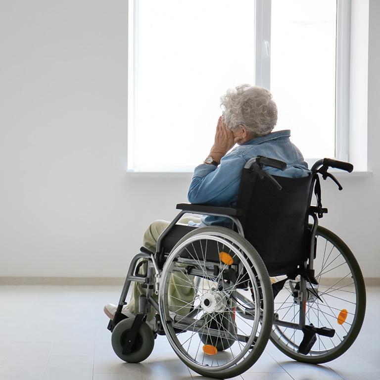老人性うつでも老人ホームに入居できる?
